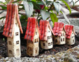 5 Keramik Häuser Stecker für Beet oder Blumentopf beige/rot