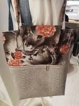 Tasche aus grauem Kunstleder und Stoff