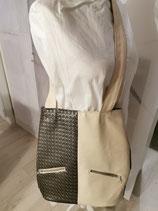 Handtasche in beige-Tönen aus Kunstleder