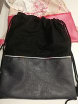 Sportbeutel in schwarz mit Reißverschlussaußentasche