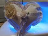 Herzförmiges Ringkissen zur Hochzeit