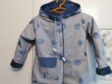 Regenjacke in Blautönen mit Kapuze Gr. 116