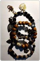 Perlen Armbänder braun, schwarz, dunkelbraun mit Metallanhängern Blatt, Herz, verspielt