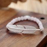 Perlen Armband mit Feder