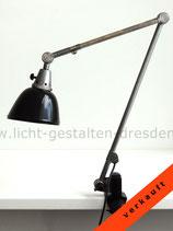 Große Midgard Gelenkarmlampe - Tischschraubfuß