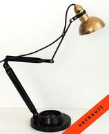 Gelenkarm Schreibtischlampe - vielseitig & anmutig