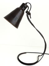 Tischlampe für Individualisten – Einzelstück in morbider Optik