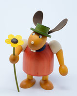 Hase mit Hut und Blume