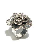 Ring von Madame Butterfly