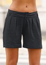 weite Shorts schwarz von CHILLYTIME