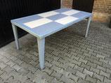 Mega Tisch
