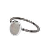 Ovaler, dunkel rhodinierter Ring