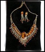 Parure collier et boucles d'oreilles dorés façon rivière, strass ambre PAR014