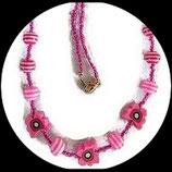 Collier enfant rose papillon fimo, perles et rocaille fait main unique.