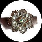 Grosse bague élastique fleur 3D strass argentés métal argenté BAG137