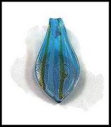 Pendentif verre lampwork feuille franges turquoise 31 x 60 mm  PEN011