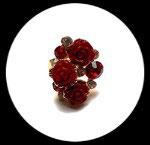 Bague réglable dorée roses et strass rouges BAG050