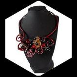 ras du cou collier fil aluminium rouge perles fait main