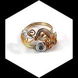 bracelet fil aluminium argent et doré, perles, bijou fait main