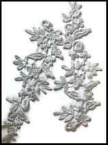 Applique fleurs brodées dentelle gris clair.Lot de deux  APP055