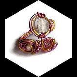Bracelet  fil aluminium rose et or, perles, bracelet artisanal réglable