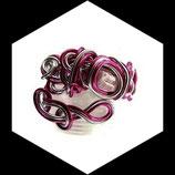 manchette fait main, bracelet fil aluminium argent et rose, perle de verre