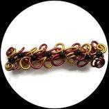 Barrette  aluminium rouge et or, perles toupies swarovski noir - accessoire de coiffure