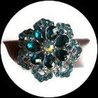 Grosse bague élastique fleur 3D strass turquoises métal argenté BAG160