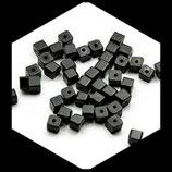 10 perles de verre cube 4 mm noir création de bijoux Réf : 1375