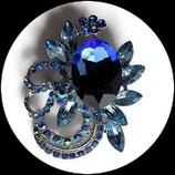 Broche métal argenté, strass bleus deux nuances BRO080