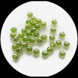 Perles de verre à facettes irisées vertes  6  X 4 mm rondelles X 22 perles Réf : 865