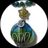 collier ras du cou pendentif perles de verre et aluminium - bijou modèle unique fait main