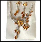 Parure collier et boucles d'oreilles fleurs strass orange doré et argent PAR042