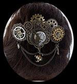 """Barrette cheveux steampunk """" au pays des merveilles """" modèle unique."""