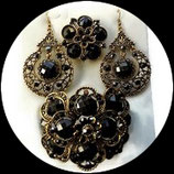Parure bijoux fantaisie 3 pièces strass  noirs et gris, métal doré vieilli  PAR039