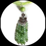 Collier pendentif perles swarovski vert sur organza collier ras du cou