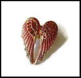 Bague  élastique dorée ailes d'ange rouge à strass  BAG068