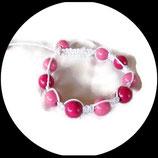 Bracelet shamballa blanc, perles bois deux nuances de rose .
