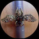 Bague élastique abeille strass or vieilli BAG008