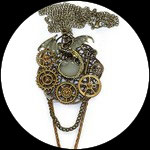 "Steampunk : collier pendentif dragon phosphorescent "" Dragon in the dark "" fait main."