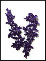 Applique fleurs brodées dentelle violette. Lot de deux  APP058