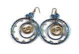 Créoles en fil aluminium bleu et or, perles swarovski - Boucles oreilles faite main - Bijou de créateur.