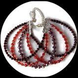 Bracelet  manchette multi rangs perles de verre et swarovski rouge, gris et noir  fait main.