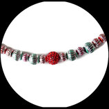 collier ras du cou shamballa rouge et perles  métal argenté ciselé