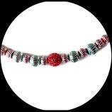 collier ras de cou shamballa rouge et perles  métal argenté ciselé