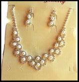 Parure collier et pendants d'oreilles argentés perles, strass PAR011