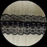 Dentelle noire, brodée  perles centrales noires 4.2 cm X 1 m DEN012.