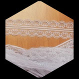 Dentelle polyester blanche  4.5 cm X  10 m. DEN032