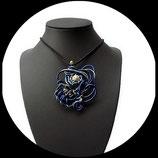 collier pendentif fil aluminium bleu doré perle shamballa argent sur ras du cou noir