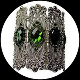 Bracelet manchette strass verts, métal argenté. BRA014